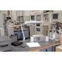 Lampka energooszczędna na biurko MAULatelier, 3x14W, mocowana zaciskiem, biała, Lampki, Urządzenia i maszyny biurowe